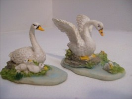 Swans with Babies 2 Pc Set Birds Figurine Collectible #292 - £15.95 GBP