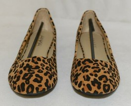 Anna Truman 1 Loepard Print Suede Womens Flats Size 6 And Half image 2