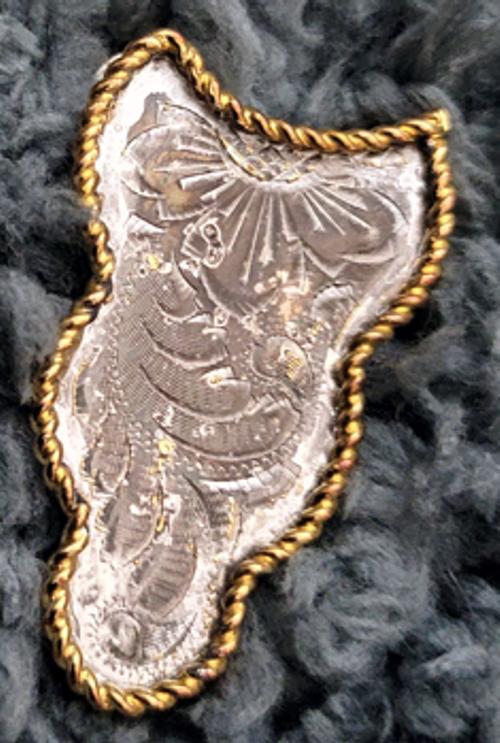 Silver scallop ear plate