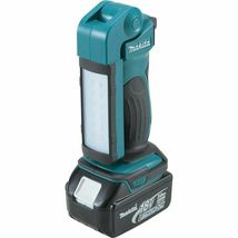 Makita DML801 18V LXT Lithium-Ion Cordless 12 LED Flashlight with Bare Tool image 4