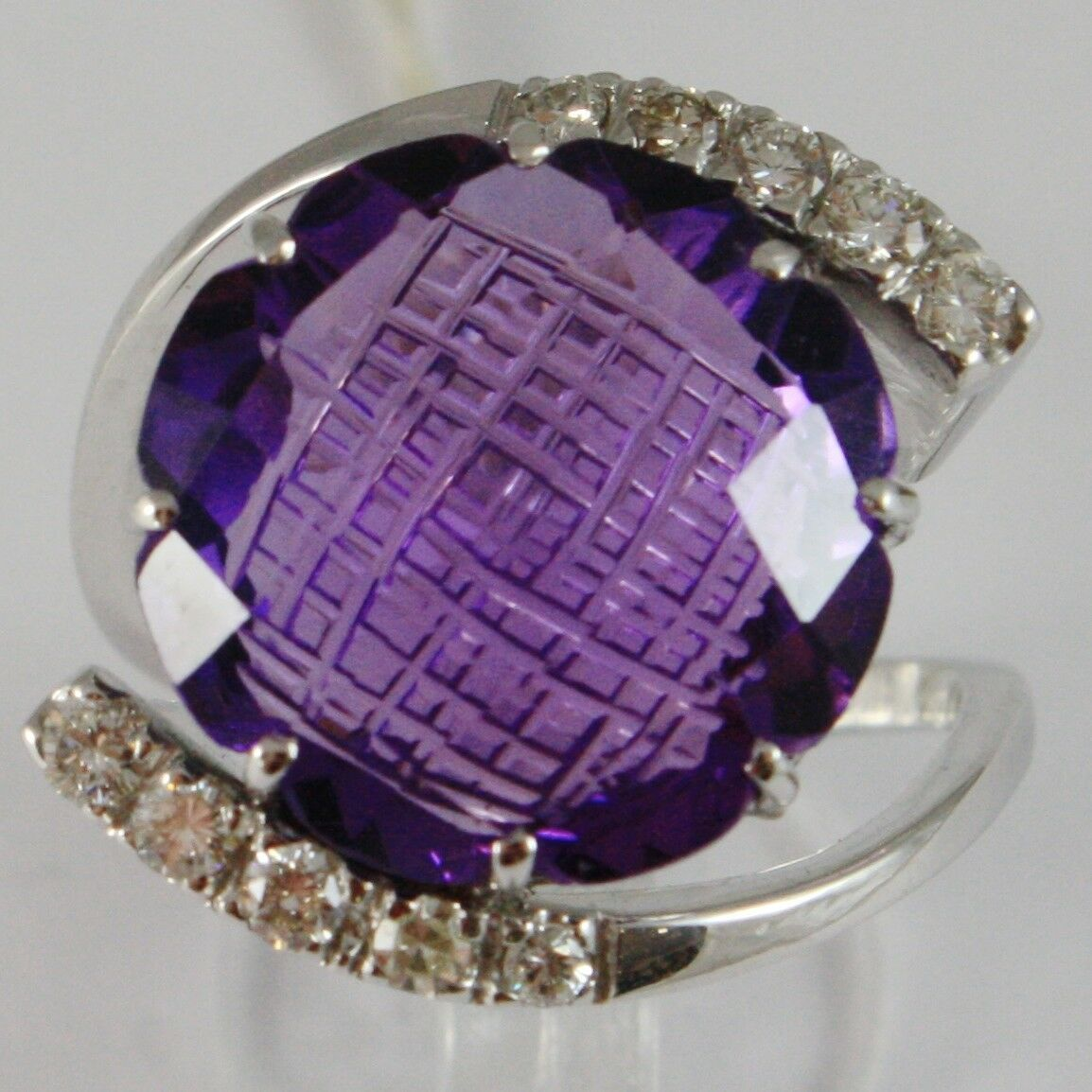 Ring White Gold 750 18K, with Amethyst Cut CUSHION CT 11.5, DIAMONDS CT 0.38