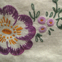 Tea Towel 38 In Kitchen Bathroom Crewel Embroidery Hand Stitch Floral Bu... - $16.82