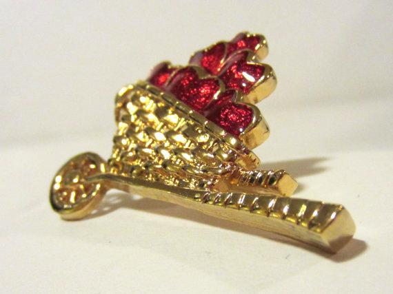 Vintage jewelry goldtone signed Avon enamel pin