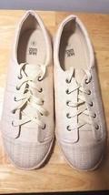 Mukluks Beige Women Ladies Linen Flat Casual Dress Work Walking New Shoes Size 8 - $24.69