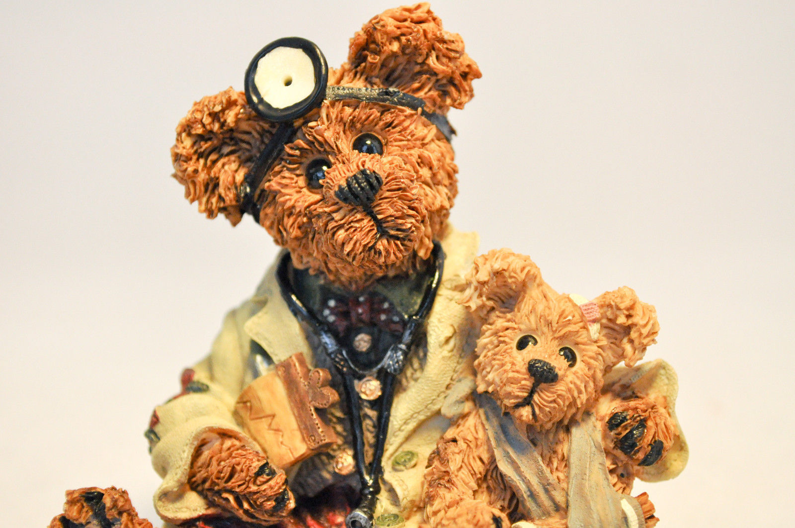 Boyds Bears: Dr Harrison Griz ... MD, PHD, Bud - Style 228309 image 3
