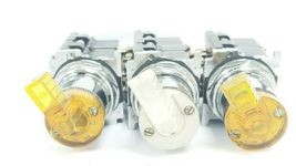 LOT OF 3 CUTLER-HAMMER 2-POS. SELECTOR SWITCHES W/ 120V 50/60HZ COILS, 5.3V LAMP image 6