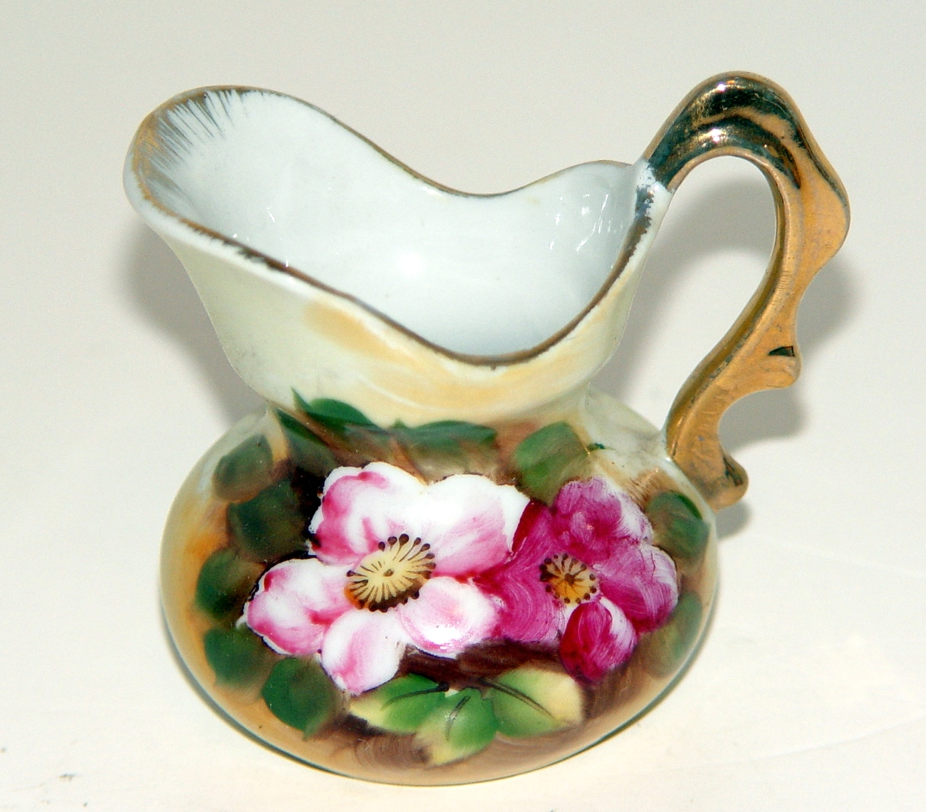 Stunning Hand Painted (Made in Japan) Creamer Pitcher Roses and Gold