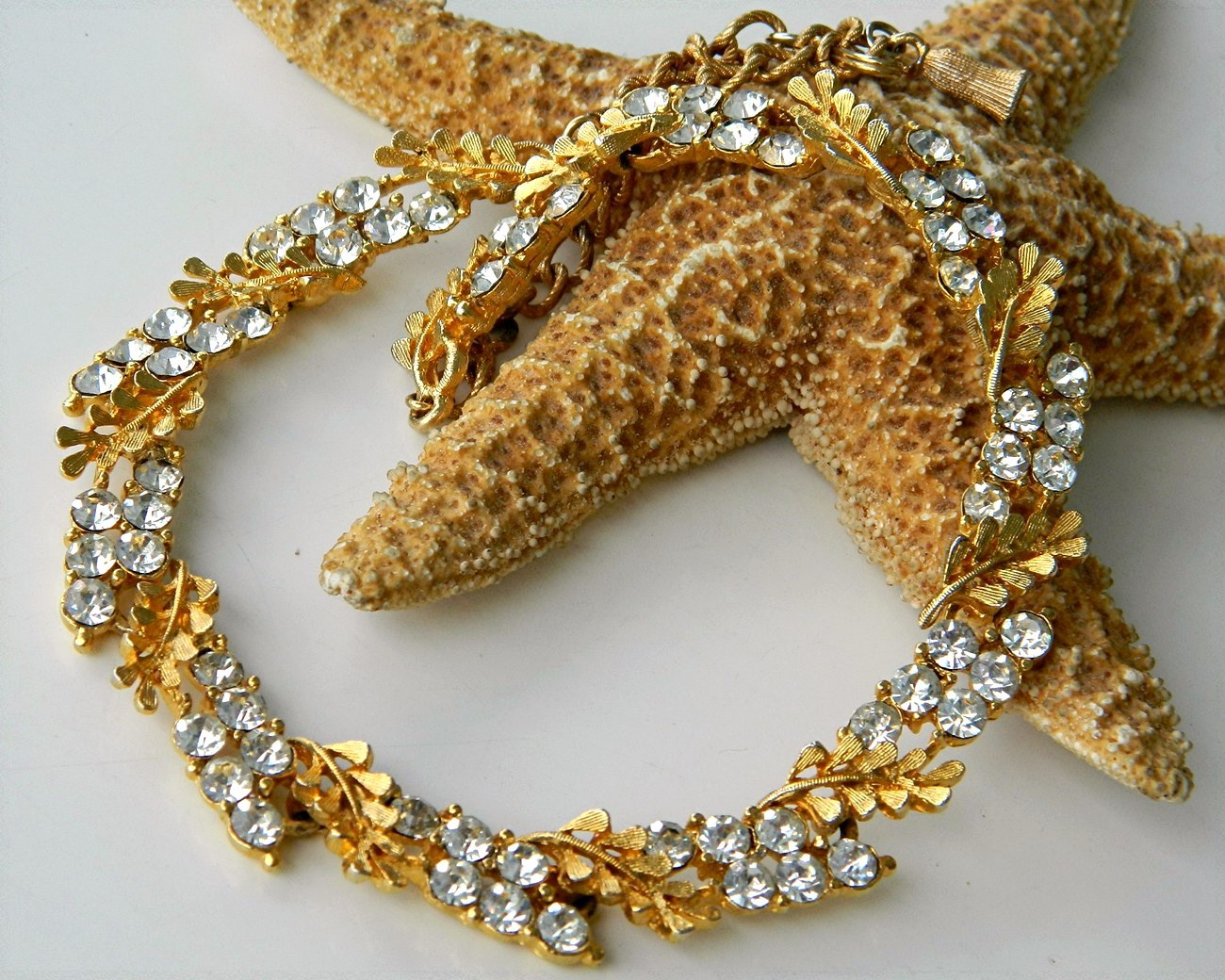 Vintage BSK Necklace Rhinestone Leaf Leaves Linked Choker