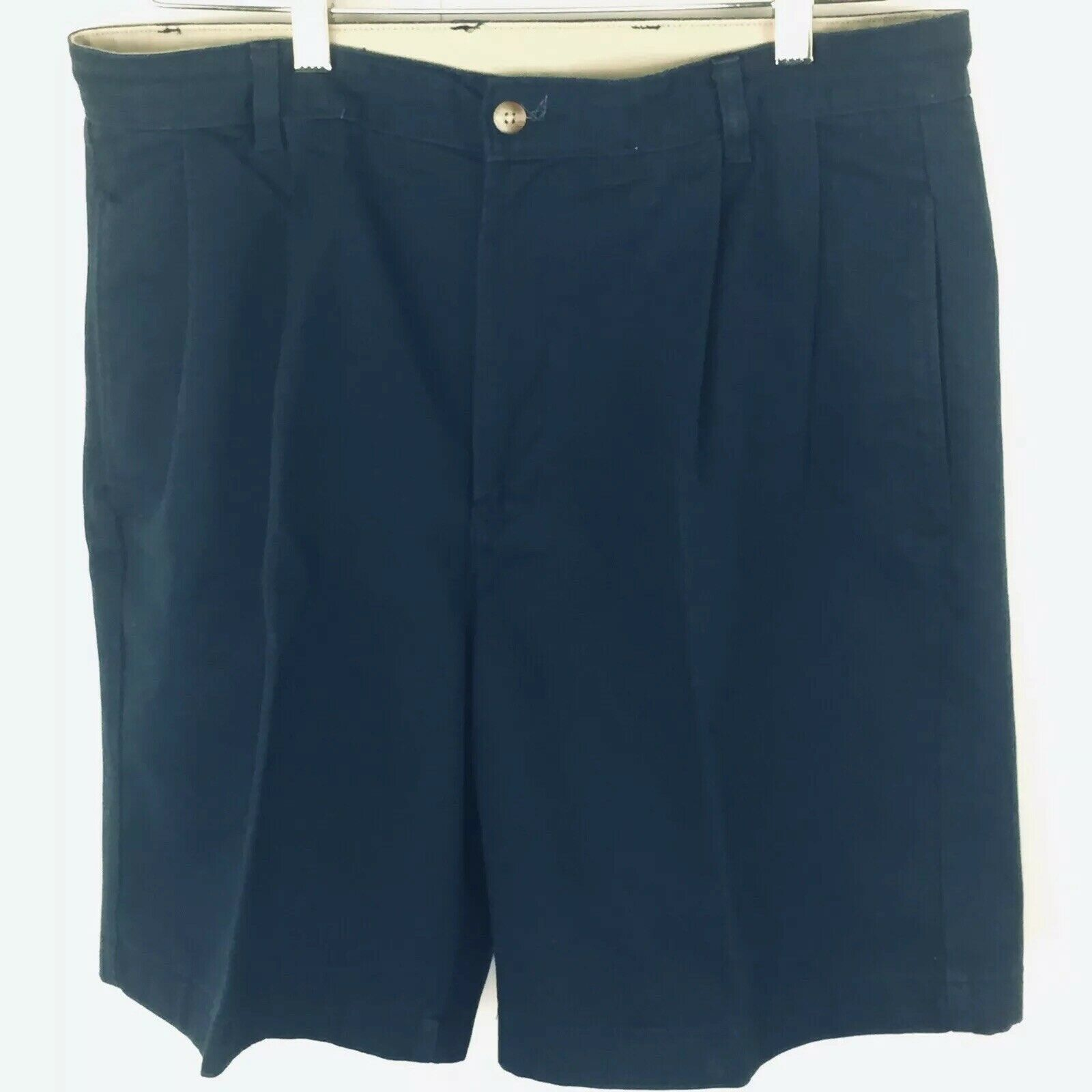 Roundtree and York Mens Shorts size 34 Navy Blue Cotton Pleated Front  image 2