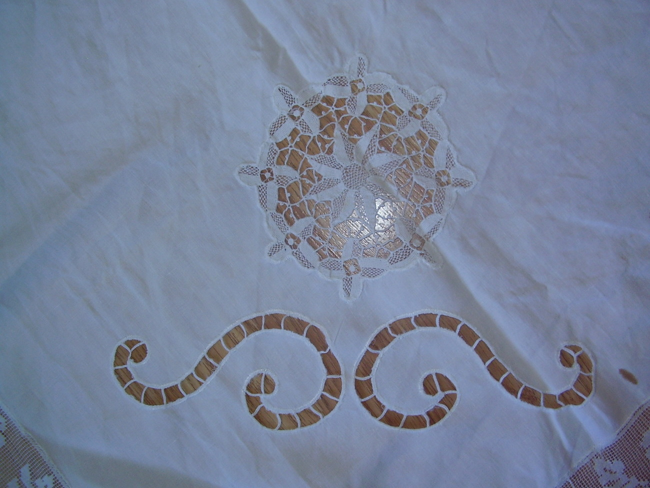 Vintage - Table Cloth image 4