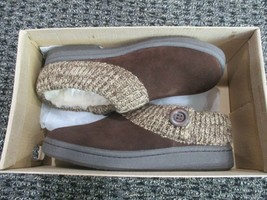 Brand new Clarks suede indoor/outdoor women's slippers, brown knit collar, 6M - $44.55