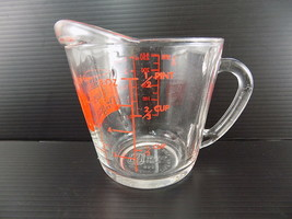 "Vintage Anchor Hocking Red 498 OVEN ORIGINALS 1-Cup Measuring Cup ""D"" Ha... - $9.89"