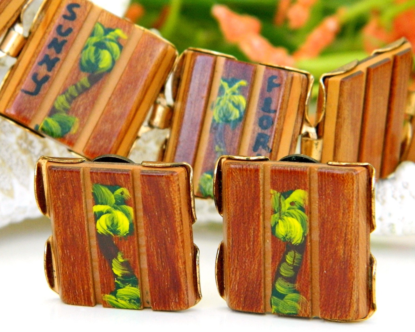 Primary image for Vintage Wood Bracelet Earrings Set Florida Souvenir Palm Trees Painted