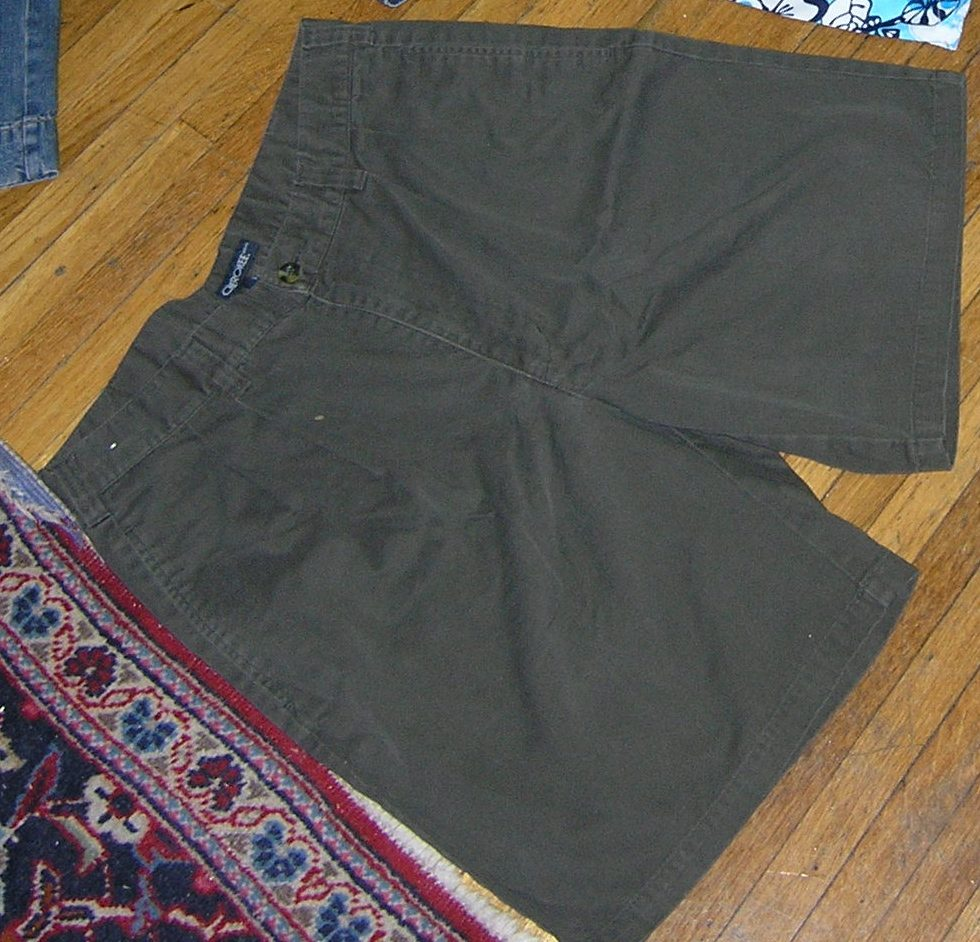 Casual khaki Style Shorts good for the Summer