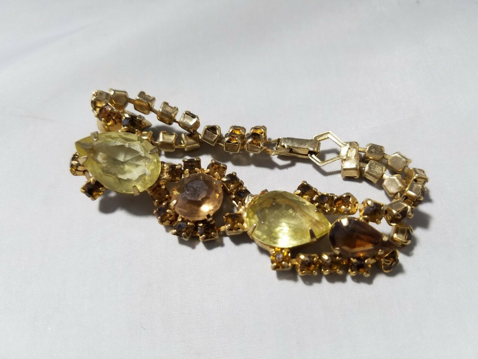Vintage Fashion Jewelry Set Gold Tone Amber Green Yellow Stone Bracelet Earrings