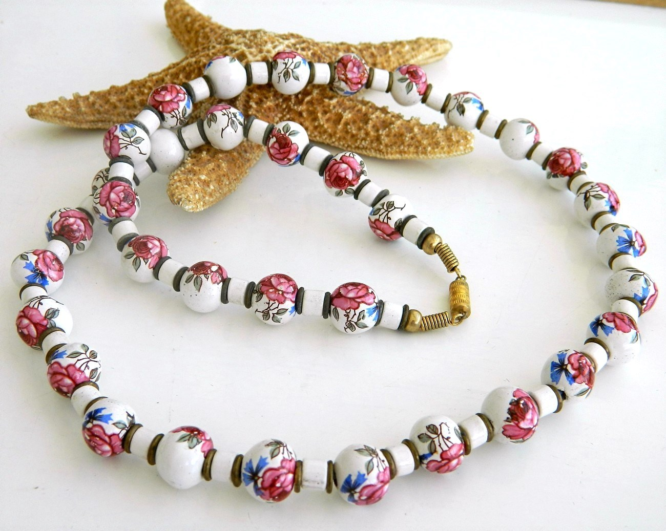Vintage Hand Painted Porcelain Ceramic Beads Strand Necklace Roses