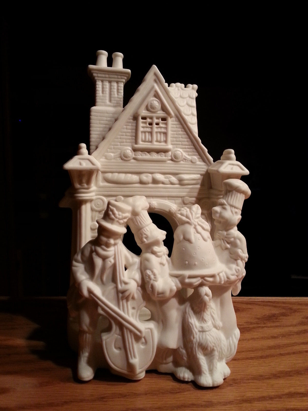 Partylite Bakery Carolers White Bisque Porcelain Tealight Holder P7123 Retired