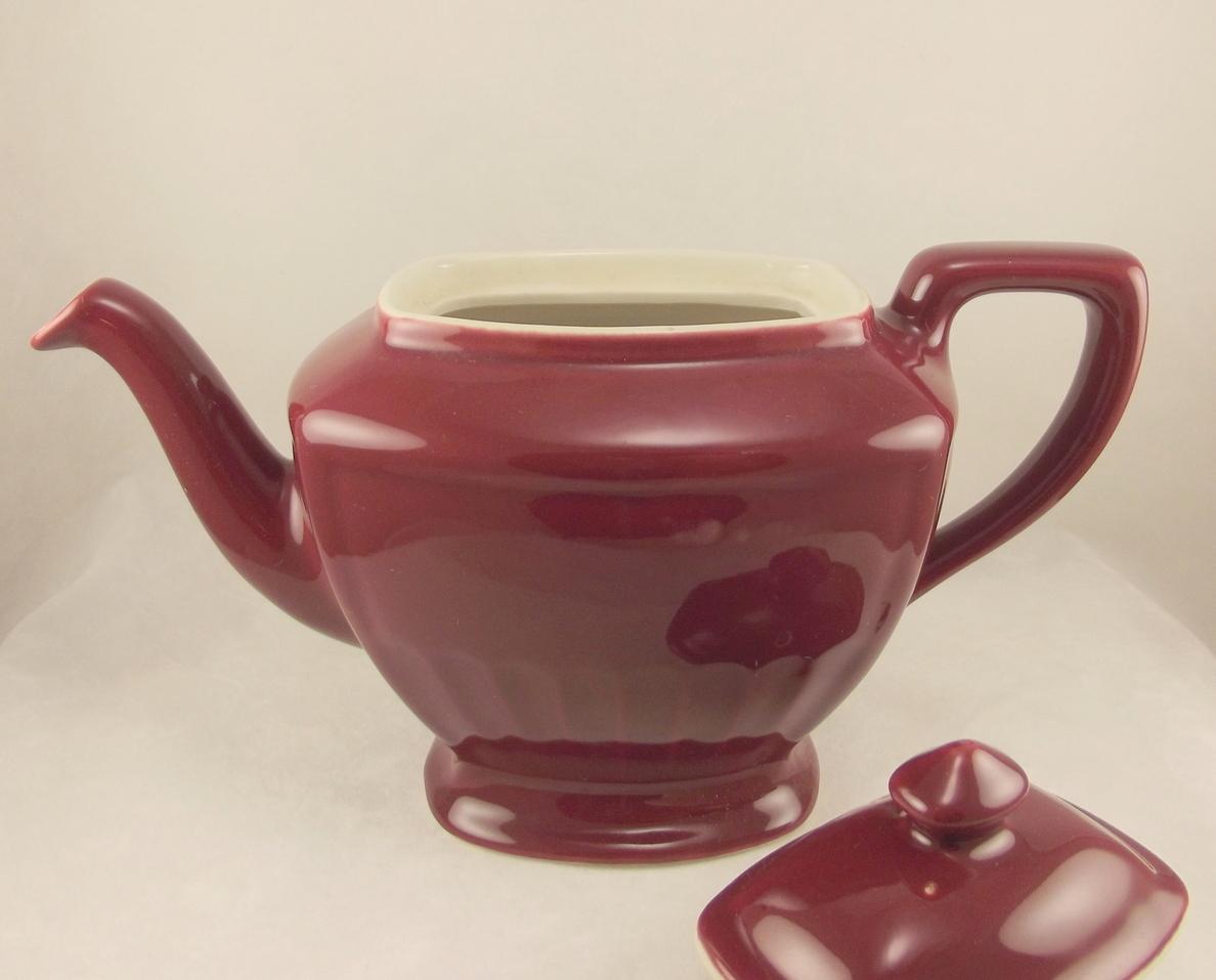 Vintage Hall China Hollywood maroon teapot 4 cup