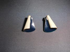 VTG Gold Tone Navy Blue & Cream Colored Enameled 1980's Post Earrings - $7.92