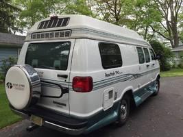 1998 Roadtrek 190 VERSATILE For Sale in Belleville, Michigan 48111 image 2