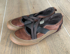 Merrell Women's Sz 9 Brown Leather Athletic Slip On Loafer Strap Shoe - $29.99