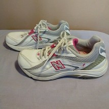 New Balance Womens Size 6.5 Susan G Komen Breast Cancer Awareness White ... - $31.68