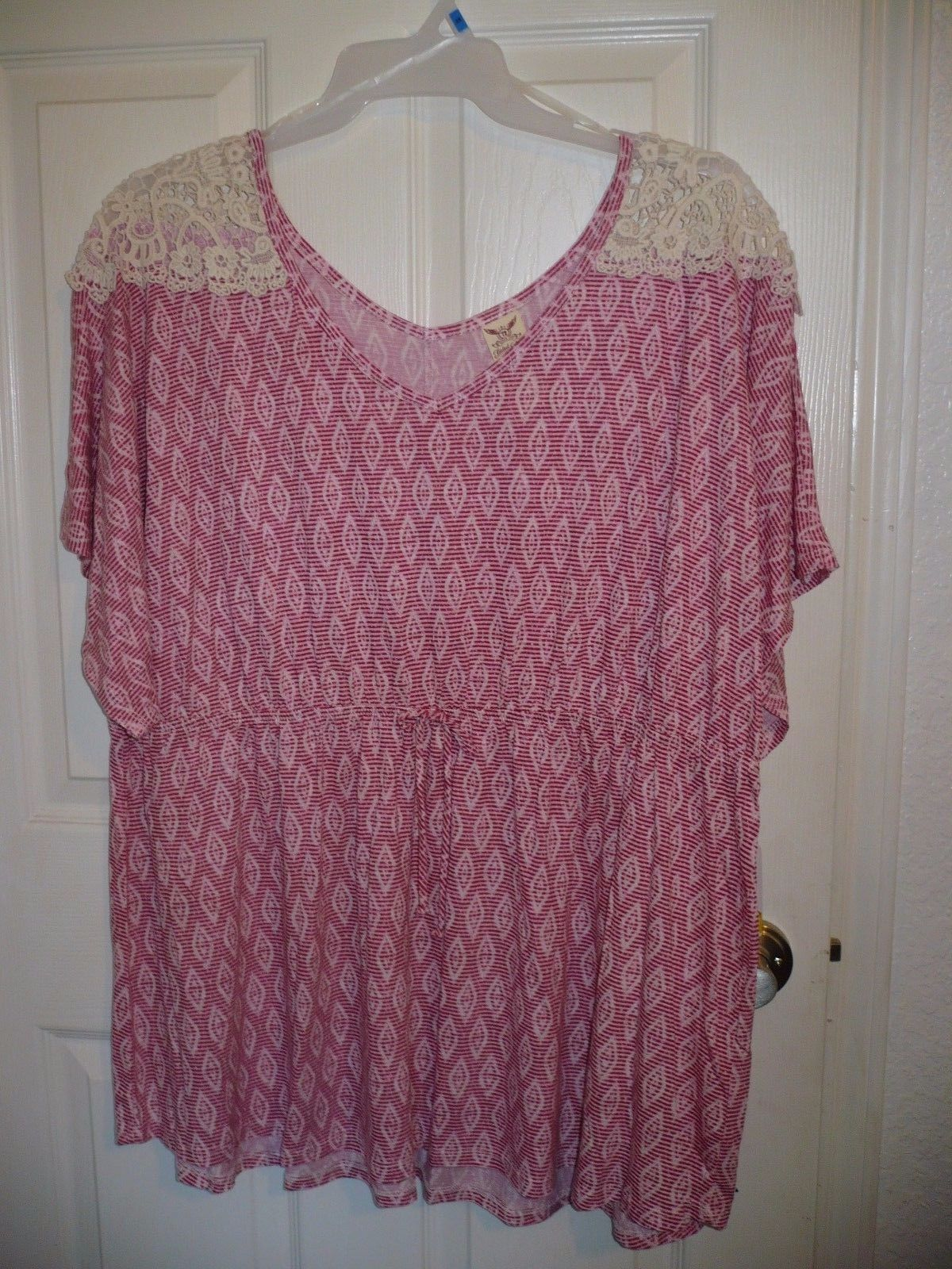 Faded Glory Women's Plus Cinch Waist Top Pink Print Size 22/24W 3X NEW