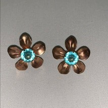 Vintage Clip On Screw Back Earrings Flower - $24.19