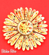 Daisy Vintage Brooch Enameled Autumn Colors With Button Center - $19.00