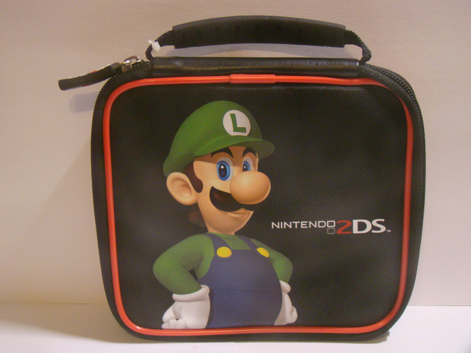 Nintendo 2DS - LUIGI Console & Game Case