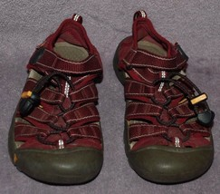 Keen Newport H2 Maroon/Gray Fabric Slip On Waterproof Sports Sandals Youth Sz. 2 - $14.95