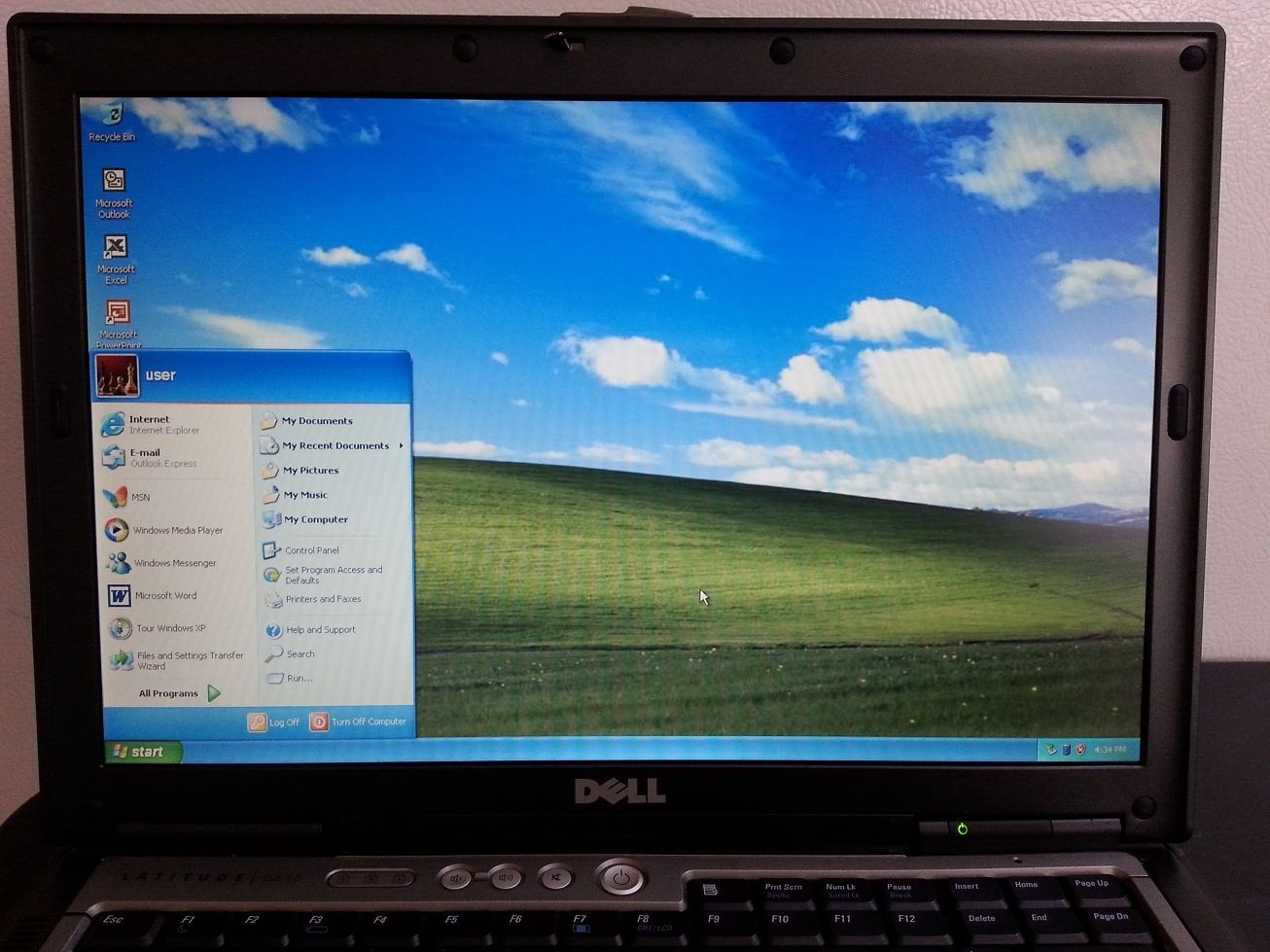 Dell Latitude D630 Core 2 Duo 2Ghz 2GB 80GB DVD Windows XP Pro Serial Port FAST