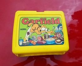 Vintage 1978 Plastic Lunch Box Garfield With Thermos - $29.70