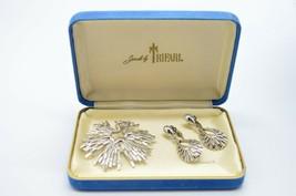 Crown Trifari Silver Tone Starburst Texture Pin Brooch Dangle Earring Se... - $59.39