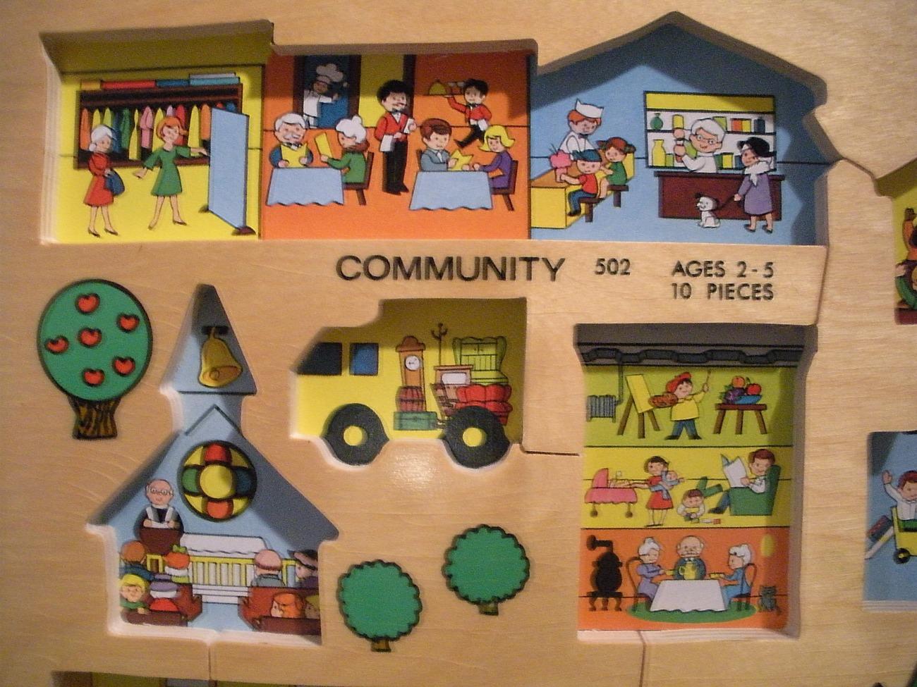 Vtg. Fisher Price Pick Up 'N Peek #502 Community Wooden Peg Puzzle NR MINT w/BOX