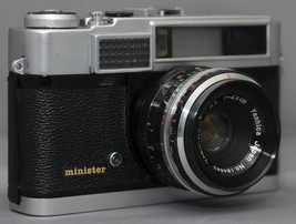 YASHICA Minister 35mm Vintage Film Camera YASHINON 2.8 45mm Lens CLEAN W... - $51.30
