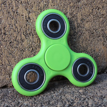 Dget spinner edc finger hand spinner focus anxiety stress relief desk toy green outside thumb200