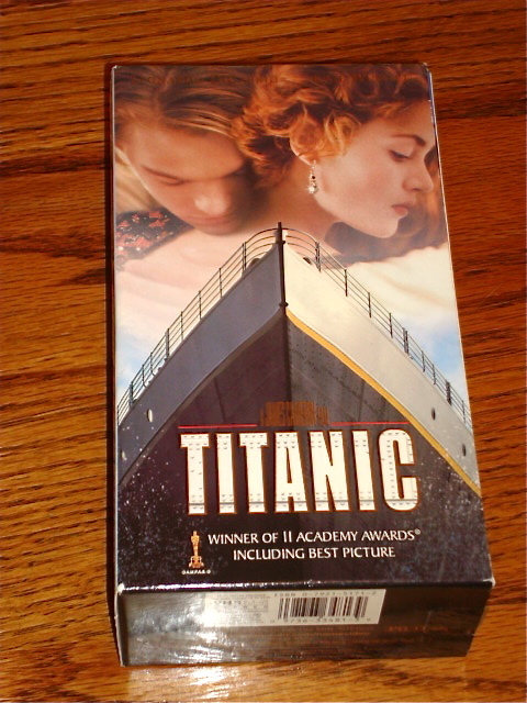 Primary image for TITANIC VHS    LIKE NEW!     FREE USA SHIPPING!