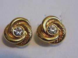 VTG Gold Diamond Tone Pair Pierced Earrings Stud Costume Fashion Jewelry - $10.66