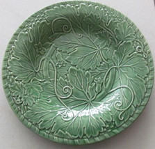 "Bordella Pinheiro Vine Green Collectible 12"" Chop Plate Round Made In Po... - $59.99"