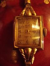Women's Vintage Gruen 10K Gold Filled 17 Jewel Wristwatch Winds And Stops - $49.01