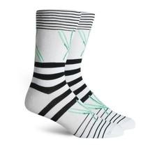 Richer Poorer Getaway White/Black Classic Crew Socks Men's Size 6-12 - $16.00