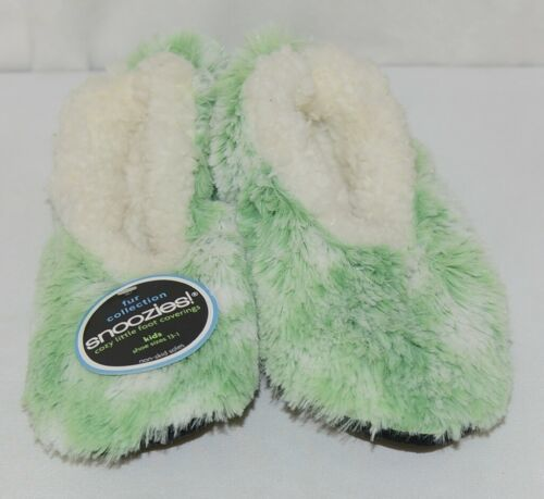 Snoozies 285123 Velvety Fur Foot Coverings Green White Kids Large