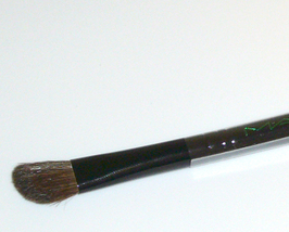 MAC 275 SE Eye Shadow Medium Angled Shading Brush Black - $15.95