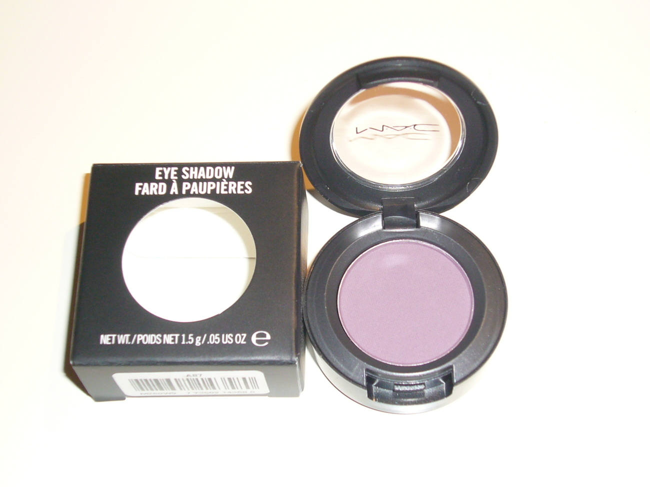 MAC Cosmetics Eye Shadow - MEMORABILIA PURPLE Bonanza