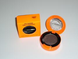 Eyeshadow magnetic field thumb200