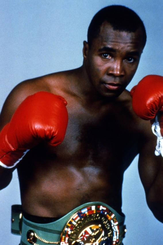 Sugar Ray Leonard Barechested Boxing Pose 18x24 Poster - $23.99