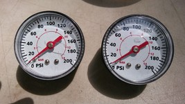 "7UU75 PAIR OF 200PSI AIR GAUGES FROM COMPRESSOR, 2"" DIAMETER, 1"" TALL, 0... - $16.60"