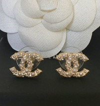 Authentic CHANEL GOLD CC LOGO PEARLS SWAROVSKI CRYSTALS EARRINGS