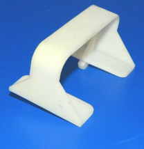 Maytag Washer : Fluide Retainer (22003429) {TF2207} - $9.89